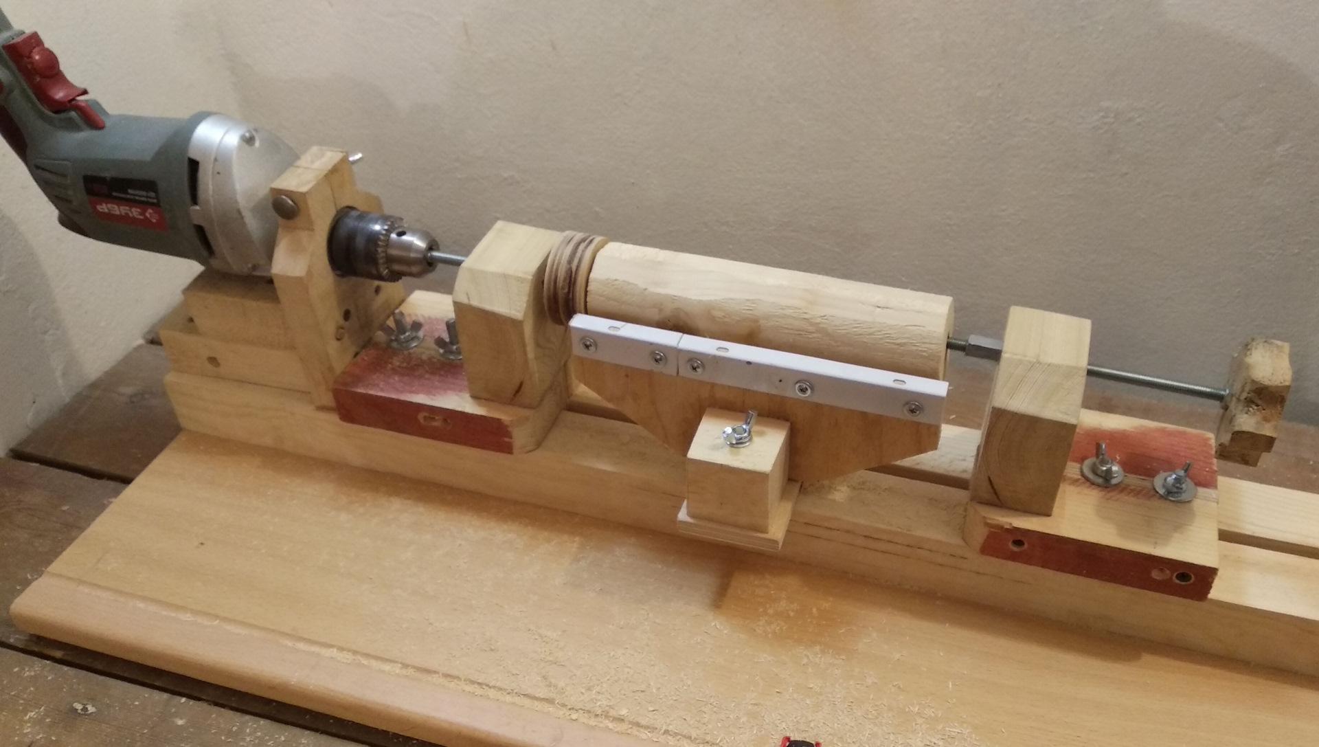 Приспособление для обработки дерева из обычной дрели.